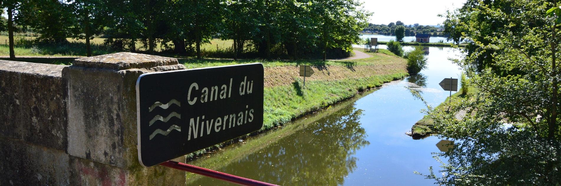 Canal du Nivernais i Bourgogne