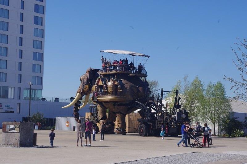 Den mekaniske elefant
